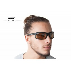 Photochromic Polarized Sunglasses for Moto, Fishing, Running, Watersports and Ski P545FT - fitting - Bertoni Italy